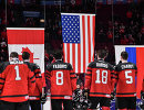 Хоккеисты молодежной сборной Канады после поражения в финале чемпионата мира