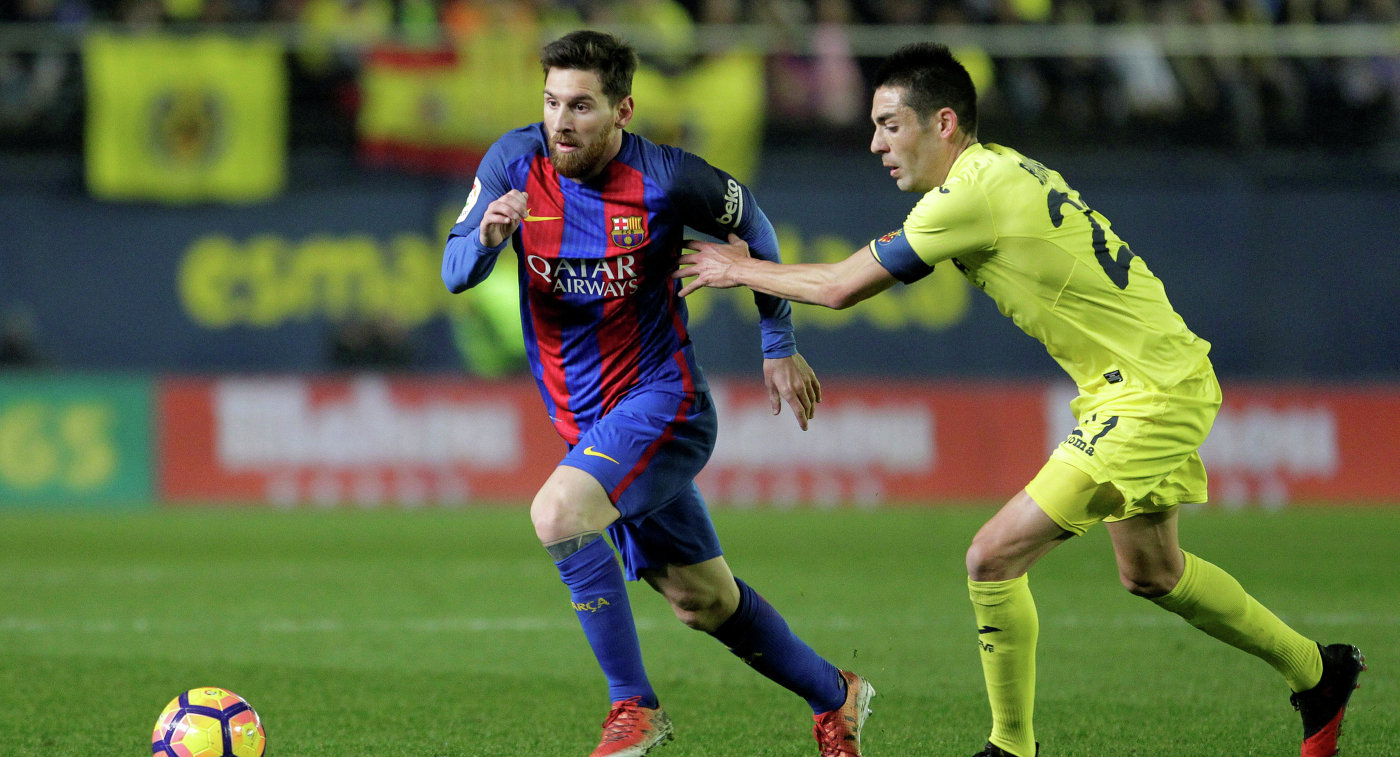 Игровой момент матча Вильярреал - Барселона