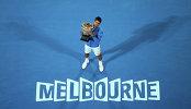 Новак Джокович с трофеем за победу на Australian Open-2015