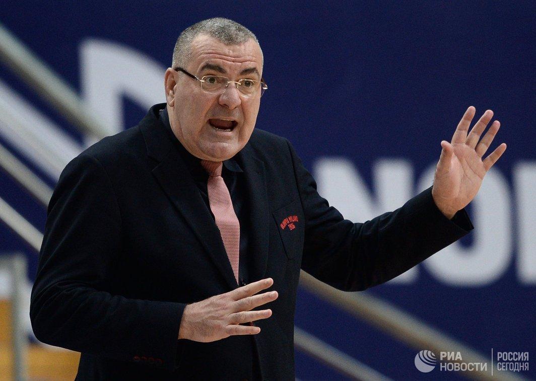 Главный тренер ЕА7 Милан Ясмин Репеша