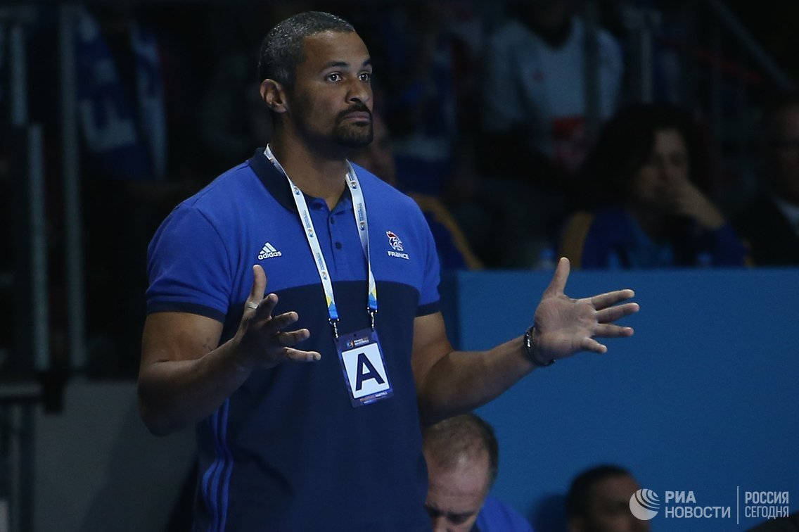 Главный тренер мужской борной Франции по гандболу Клод Онеста