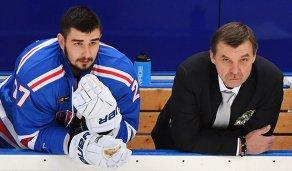 Вячеслав Войнов и Олег Знарок (справа)