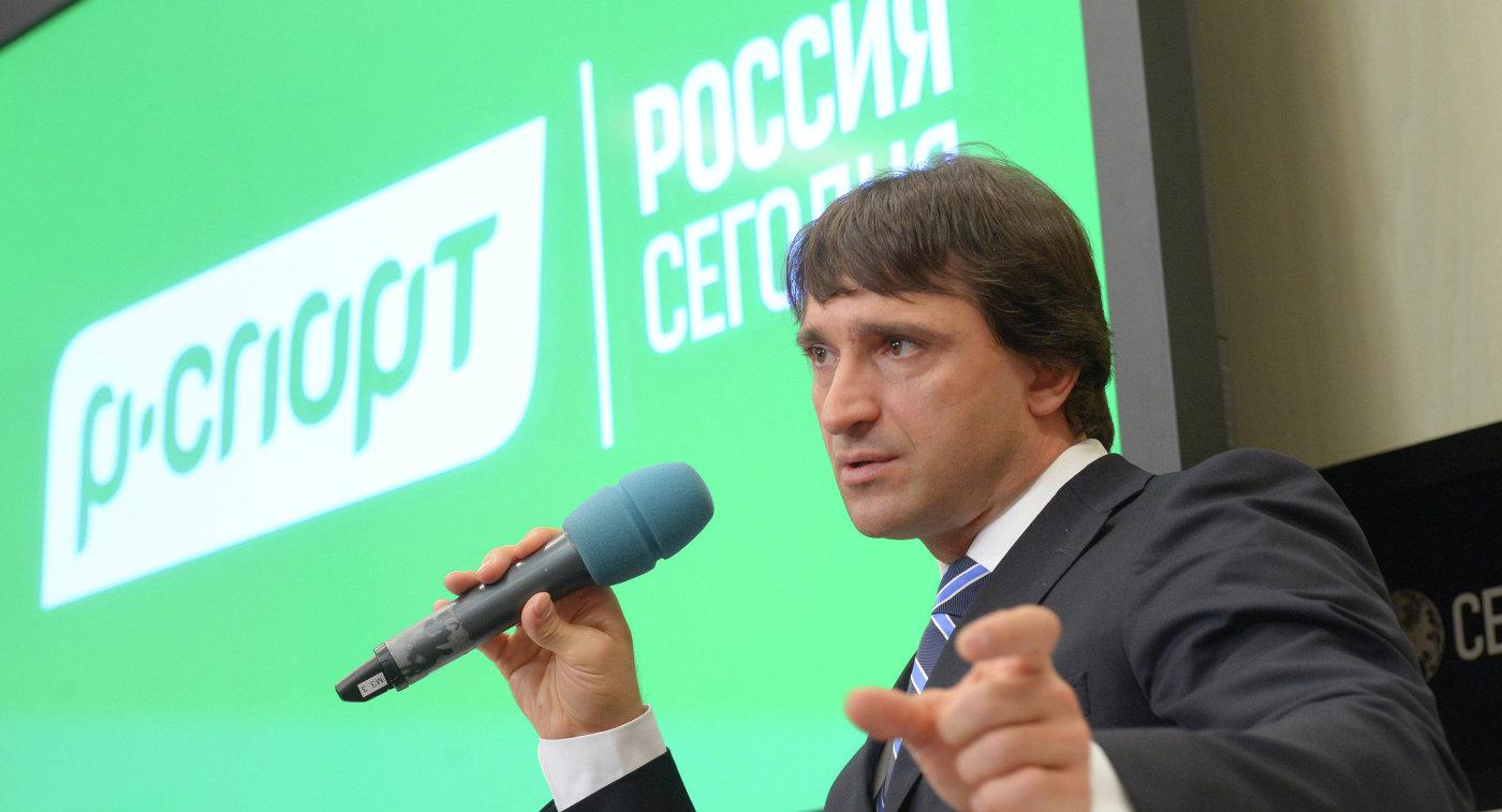 Президент Федерации тяжелой атлетики России Максим Агапитов