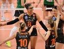 Волейболистки Эджзаджибаши радуются выигранному очку