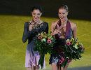 Анна Погорилая и Евгения Медведева (справа налево)