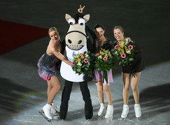 Анна Погорилая, Евгения Медведева, Каролина Костнер (слева направо)