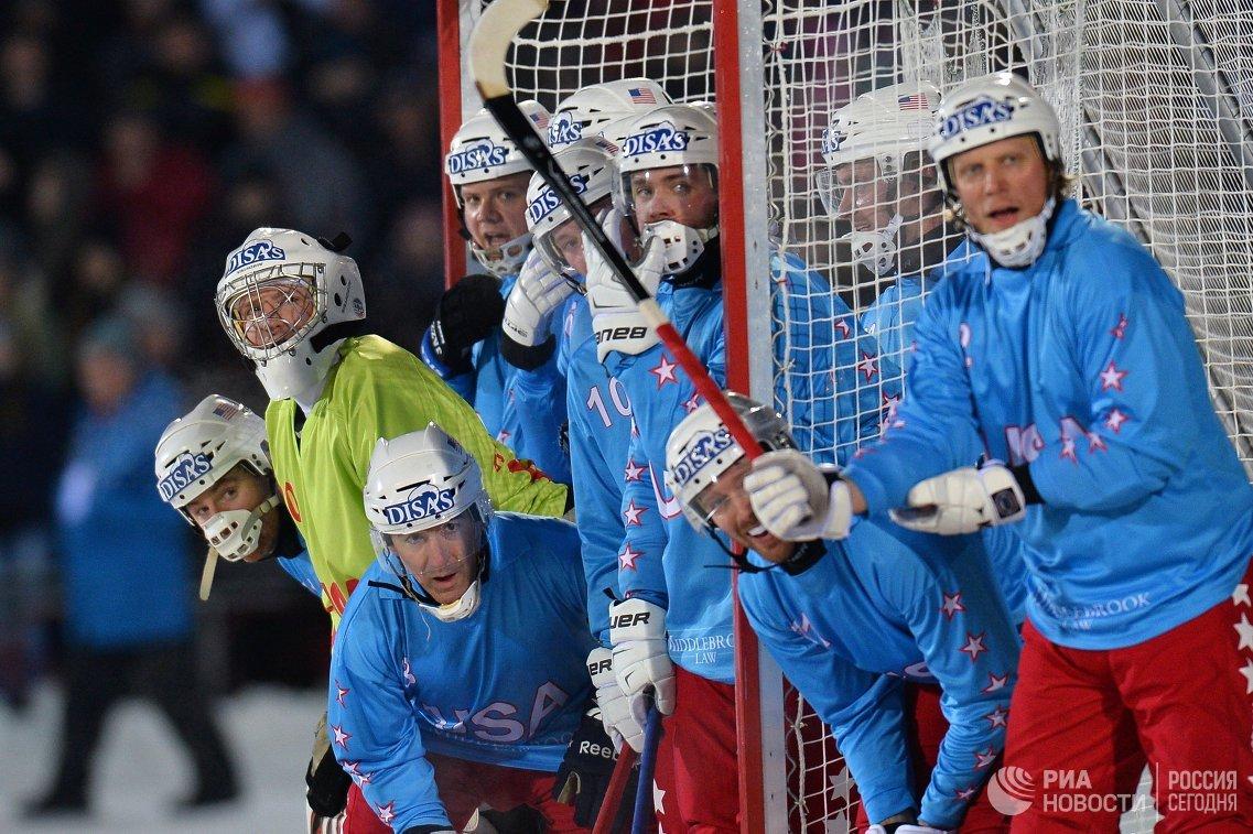Игроки сборной США по хоккею с мячом