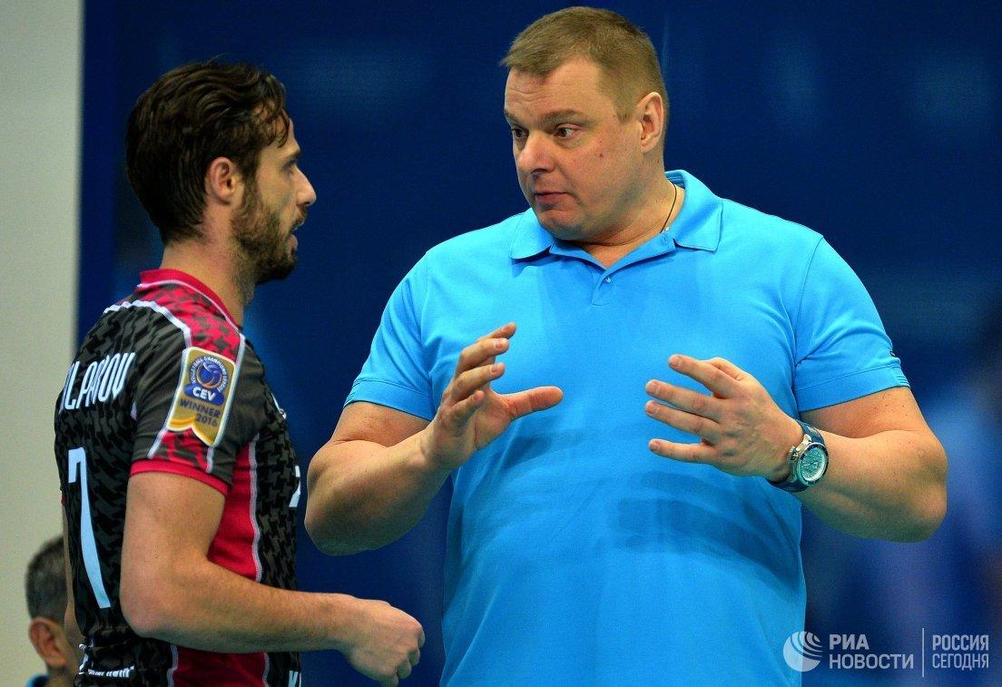 Волейболист Зенит-Казань Теодор Салпаров (слева) и главный тренер Владимир Алекно