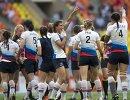 Игроки сборной России радуются победе в матче группового этапа Кубка мира
