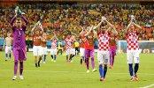 Футболисты сборной Хорватии после победы над Камеруном.