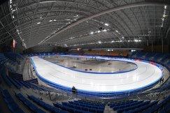 Вид стадиона Овал Кёнпхо для конькобежного спорта в Олимпийском парке в Пхенчхане