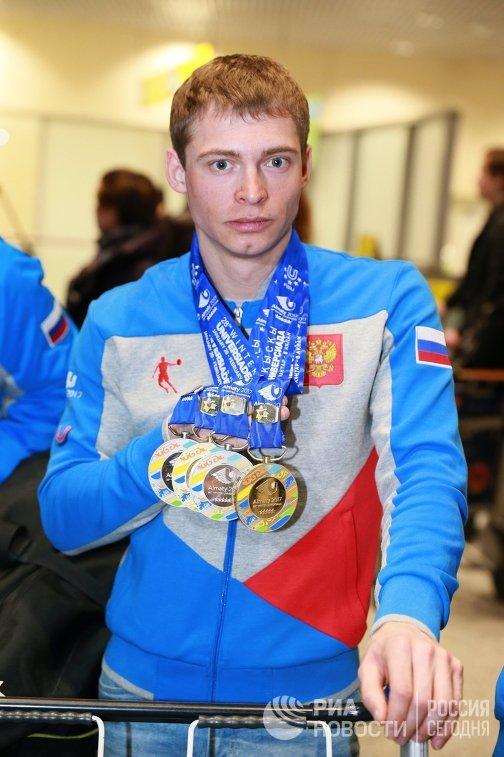 Призер соревнований по лыжным гонкам Валерий Гонтарь (золотая медаль)