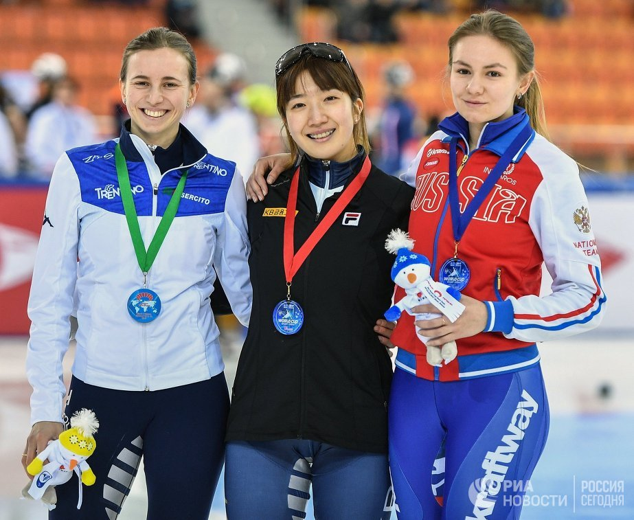 Лючия Перетти, Ахрым Но и Екатерина Ефременкова (слева направо)