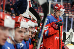 Андрей Светлаков (справа)