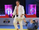 Российский спортсмен Иван Воробьев (в белой форме)