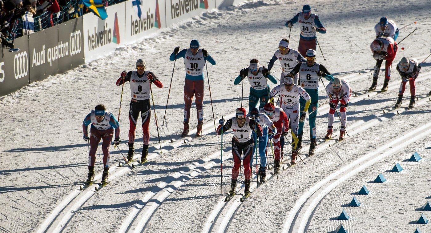 Лыжники на дистанции