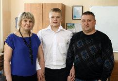 Наталья, Кирилл и Олег Капризовы (слева направо)