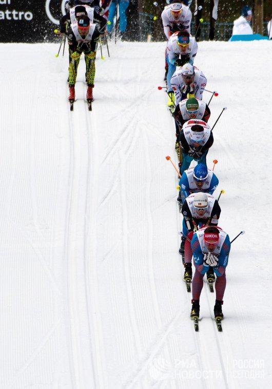 Спортсмены на дистанции