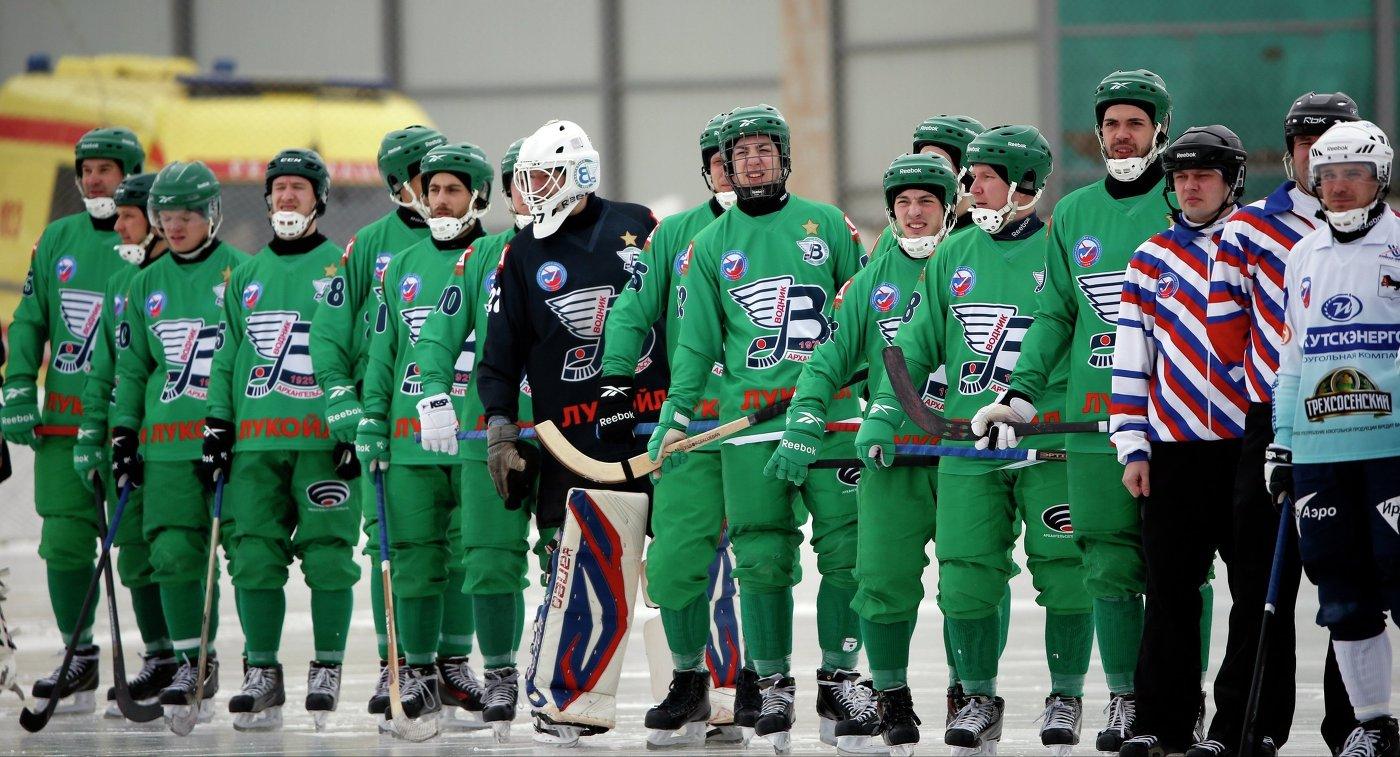 Хоккеисты Водника