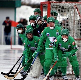 Игровой момент матча Водник - Байкал-Энергия