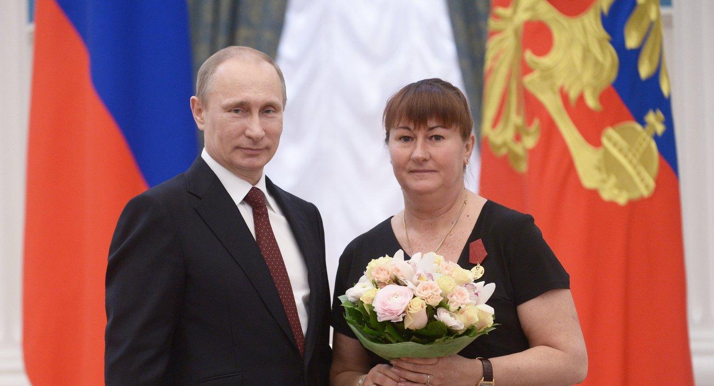 Владимир Путин и Елена Вяльбе