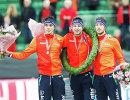 Голландские конькобежцы Патрик Руст, Свен Крамер и Ян Блокхайзен (слева направо)