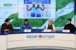 Роман Репилов, Наталия Гарт и Альберт Демченко (справа налево)