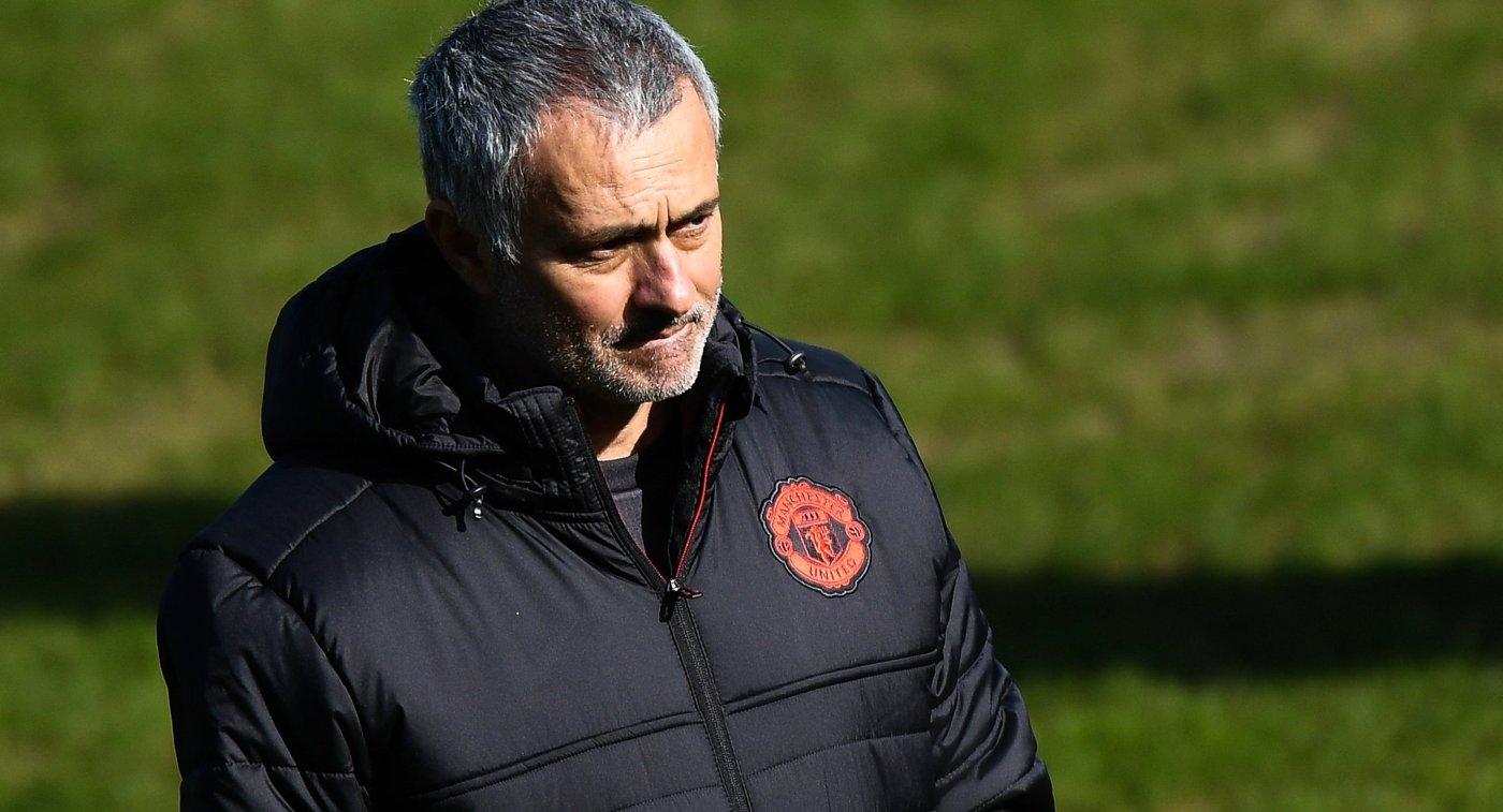 Моуринью требует увеличения своего оклада в«Манчестер Юнайтед»