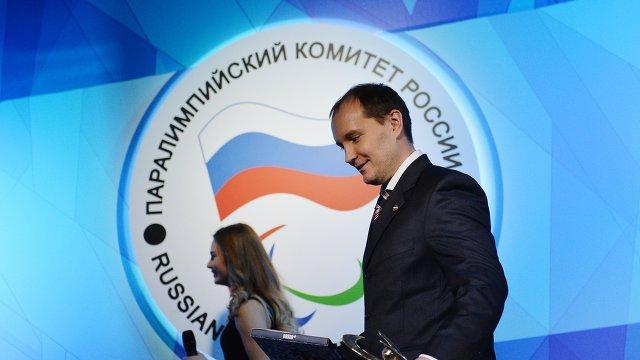 Старший тренер сборной России по керлингу Антон Батугин