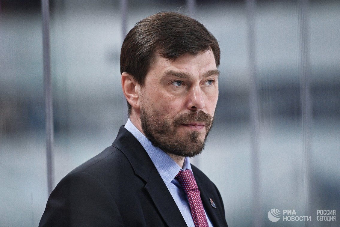 Главный тренер ХК Локомотив Алексей Кудашов