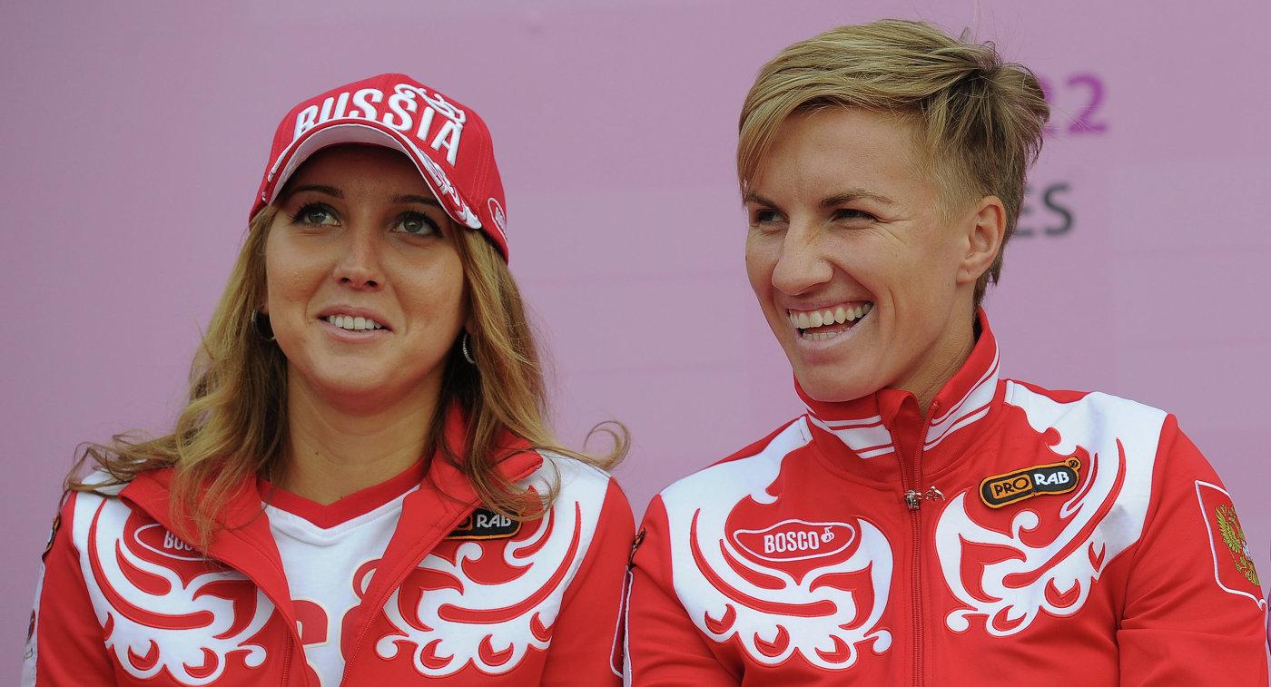 Елена Веснина и Светлана Кузнецова (слева направо)