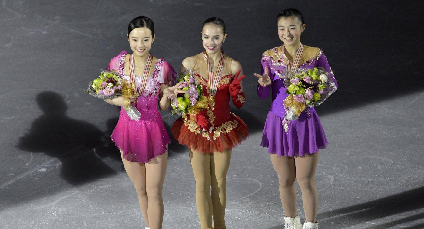 Японка Марин Хонда, россиянка Алина Загитова и японка Каори Сакамото (слева направо)