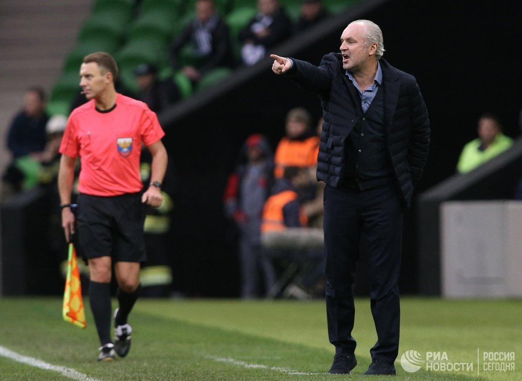 Главный тренер ФК Краснодар Игорь Шалимов (справа)