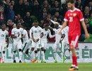 Игроки сборной Кот-д'Ивуара радуются забитому голу