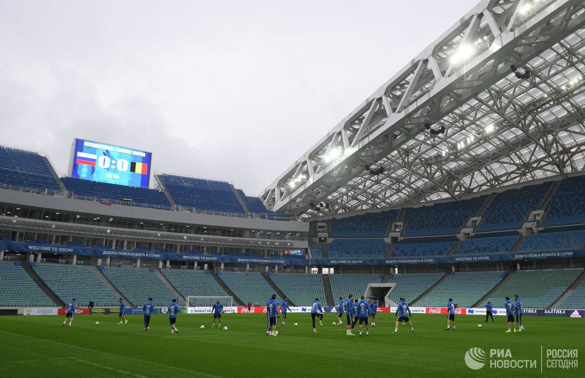 Футболисты сборной России на тренировке перед товарищеским матчем с командой Бельгии