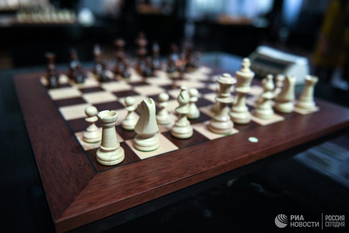 Россиянин Сарана сыграл вничью с греком Алексиадисом на юношеском ЧМ по шахматам
