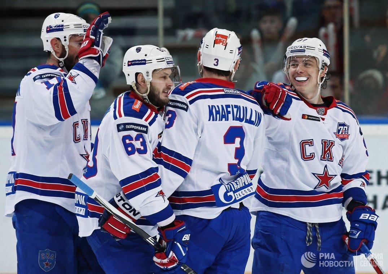 Хоккеисты СКА Илья Ковальчук, Евгений Дадонов, Динар Хафизуллин и Никита Гусев (слева направо)