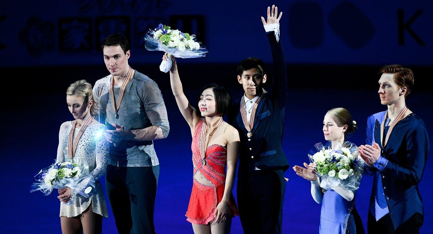 Алена Савченко и Бруно Массо (Германия),Суй Вэньцзин и Хань Цун (КНР) и Евгения Тарасова и Владимир Морозов (Россия) (слева направо)