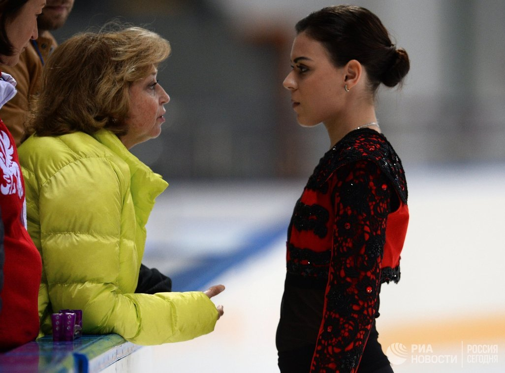 Аделина Сотникова (справа) и Елена Буянова