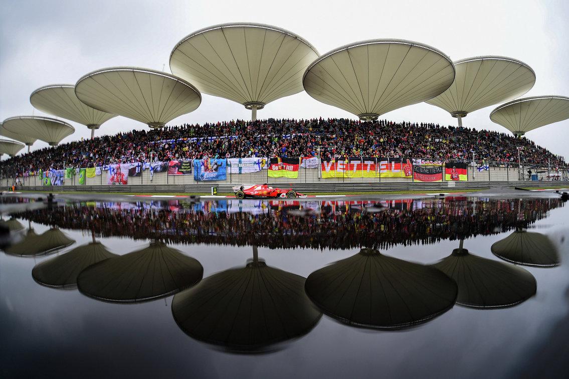 Феттель одержал победу квалификацию Гран-при Китая, Сироткин— 16-й