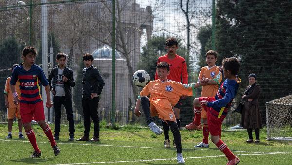 Участники турнира среди команд детских домов и школ-интернатов Будущее зависит от тебя в Таджикистане