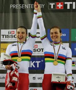 Дарья Шмелева (слева) и Анастасия Войнова