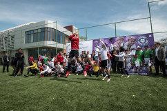 Футболистки национальной сборной Иордании во время церемонии награждения участников турнира Будущее зависит от тебя в Таджикистане