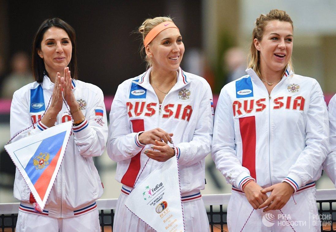 Капитан женской сборной России по теннису Анастасия Мыскина, Елена Веснина и Анастасия Павлюченкова (слева направо)