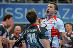 Волейболисты Белогорья Алексей Обмочаев (справа) и Ян Ерещенко
