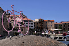 """Улицы Сардинии перед стартом сотой велогомногодневки """"Джиро д'Италия"""""""