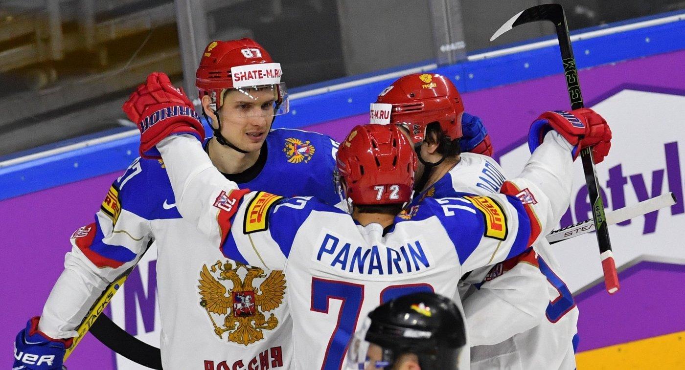 Форварды сборной России по хоккею Вадим Шипачёв (слева) и Артемий Панарин