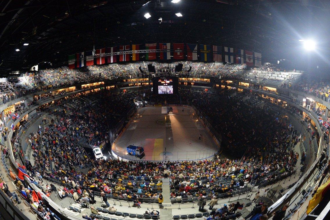Стадион Ланксесс-Арена, на котором пройдет матч группового этапа чемпионата мира по хоккею 2017 между сборными командами Германии и России