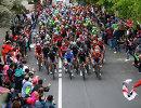 Пелотон велогонщиков на одном из этапов Джиро д'Италия-2017
