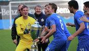 Игроки Динамо Антон Шунин и Кирилл Панченко на церемонии награждения победителей Футбольной национальной лиги